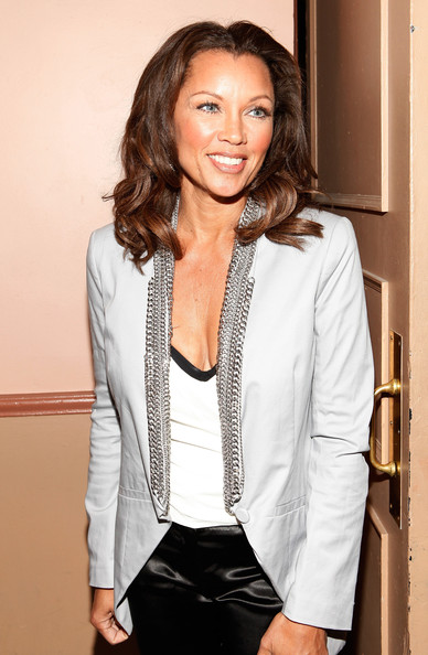 More Pics of Vanessa Williams Medium Wavy Cut (1 of 6) - Vanessa Williams Lookbook - StyleBistro