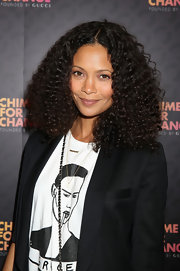 Thandie Newton rocked totally natural waves at the 'Chime For Change: The Sound of Change Live' Concert in London.