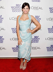 Jenna brought the va-va-voom to the SELF Magazine Awards in this cloud-print bustier dress.