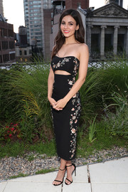 Victoria Justice was sexy-glam in a strapless floral cutout dress by Cinq a Sept at the Shop Saks with Platinum benefit launch.