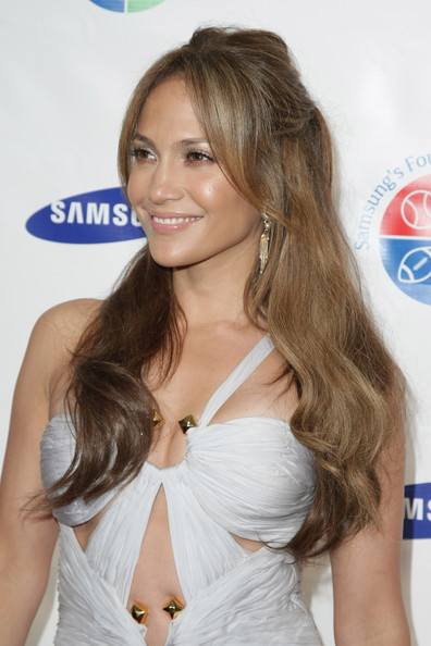 jennifer lopez hairstyles for prom. Singer and actress Jennifer