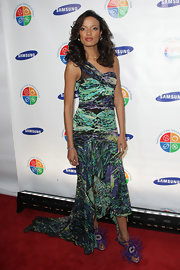 Selita wore an abstract printed BCBG gown with fun feathered evening sandals. Who doesn't love feathered heels?