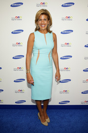 Hoda Kotb kept it simple in an aqua-blue sheath dress with nude accents during the Hope for Children Gala.
