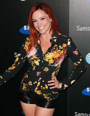Jessica Sutta chose to wear a print button-down top at the Samsung event.