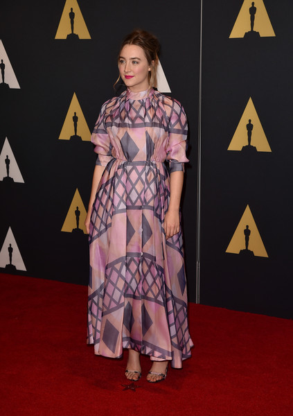Saoirse Ronan Print Dress [flooring,carpet,fashion model,fashion,red carpet,fashion design,girl,fashion show,costume,catwalk,saoirse ronan,red carpet fashion,carpet,flooring,fashion model,fashion,red carpet,hollywood highland center,academy of motion picture arts and sciences,7th annual governors awards,saoirse ronan,7th annual governors awards,hollywood,red carpet,academy awards,actor,award,red carpet fashion,golden globe award]