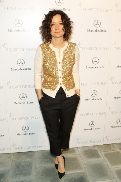 Sara Gilbert Clothes