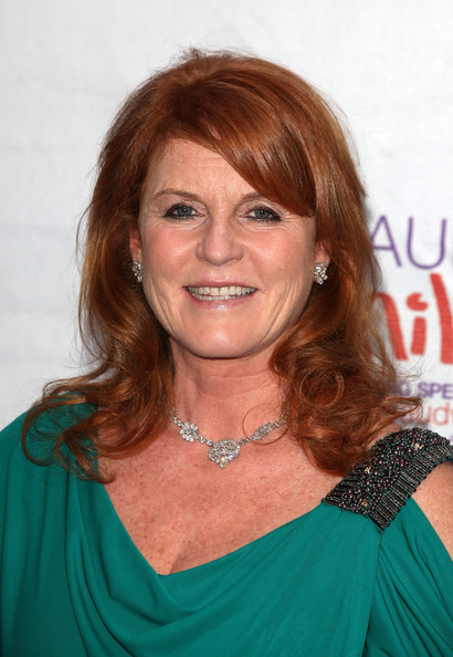 Sarah Ferguson Long Wavy Cut with Bangs