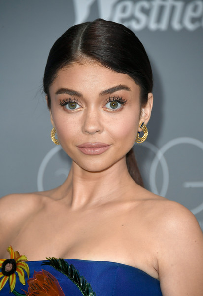 Sarah Hyland Gold Hoops [hair,face,hairstyle,eyebrow,beauty,skin,lip,chin,shoulder,forehead,arrivals,sarah hyland,costume designers guild awards,beverly hills,california,the beverly hilton hotel,cdga]