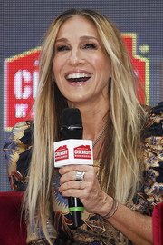 Sarah Jessica Parker stuck to her signature center-parted style while attending a fan event at Highpoint Shopping Centre in Melbourne, Australia.