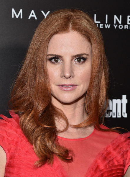 Sarah Rafferty Long Wavy Cut