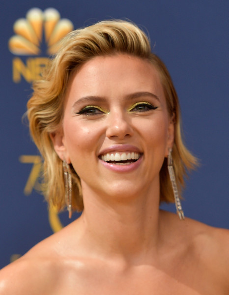 Scarlett Johansson Short Wavy Cut [hair,face,eyebrow,hairstyle,skin,facial expression,chin,blond,beauty,forehead,arrivals,scarlett johansson,emmy awards,70th emmy awards,microsoft theater,los angeles,california]