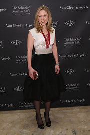 This A-line cocktail dress was nothing but effortless class on Chelsea Clinton.