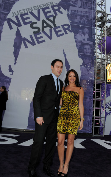 """Premiere Of Paramount Pictures' """"Justin Bieber: Never Say Never"""" - Arrivals"""