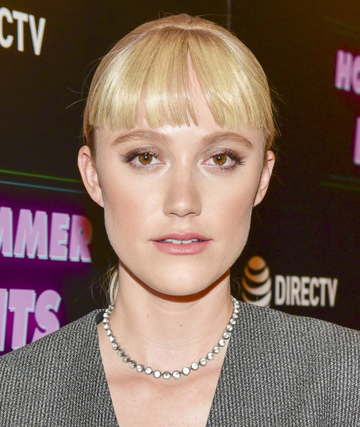Maika Monroe added a touch of elegance with a diamond tennis necklace by Beladora.