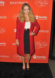 Sasha Pieterse looked perfectly styled in a red satin-lapel coat, a black pencil skirt, and a white top during the 'Pretty Little Liars' screening.