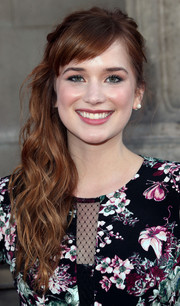 Elizabeth Lail attended the 'Once Upon a Time' season 4 screening wearing a wavy side sweep with blunt bangs.
