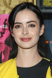 Krysten Ritter stuck to her fun and quirky look with this high ponytail.