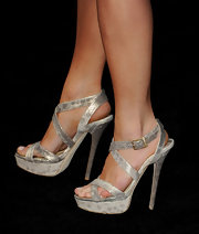 Jacqueline MacInnes Wood wore a sexy pair of silver strappy sandals to the 'Final Destination 5' screening.