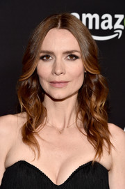 Saffron Burrows looked pretty with her loose, center-parted waves at the 'Mozart in the Jungle' screening.