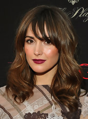Rose Byrne opted for loose waves at the premeire of 'Damages.' Wispy bangs helped frame her face.