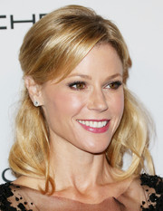 Julie Bowen oozed sweetness with this wavy half-up 'do at the Baby2Baby Gala.