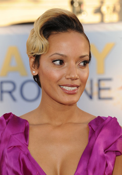 Selita Ebanks Short Wavy Cut []