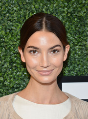 Lily Aldridge looked absolutely radiant even with minimal makeup.