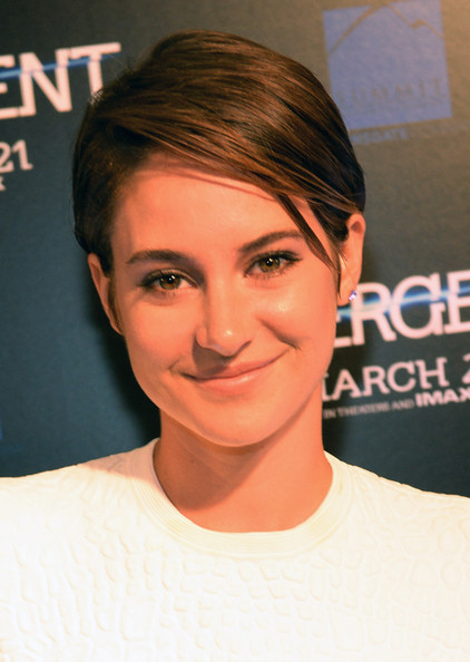 Shailene Woodley Side Parted Straight Cut [red carpet,hair,face,eyebrow,hairstyle,forehead,chin,head,cheek,lip,nose,shailene woodley,divergent,appearance,atlanta,georgia,regal atlantic station,summit entertainment ``divergent special screening event]