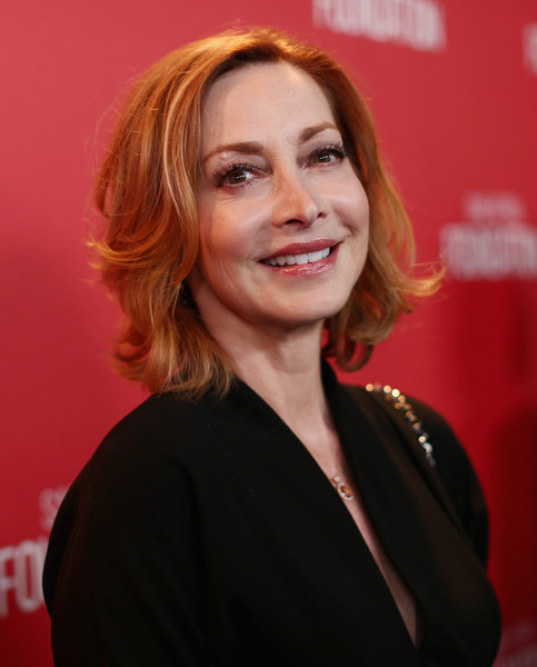 Sharon Lawrence Short Wavy Cut [hair,face,hairstyle,red,chin,beauty,blond,smile,layered hair,lip,sharon lawrence,wallis annenberg center for the performing arts,beverly hills,california,screen actors guild foundation 30th anniversary celebration - red carpet,screen actors guild foundation 30th anniversary celebration]