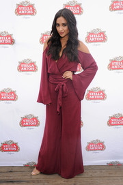 Shay Mitchell got majorly boho in a wine-colored cold-shoulder jumpsuit by Bec & Bridge for the Bon Voyage to Summer event.