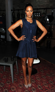 Shontelle showed off her navy blue dress while hitting Fuse studios in New York.