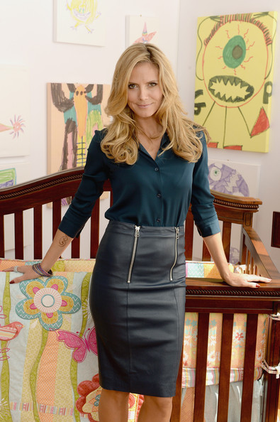 More Pics of Heidi Klum Button Down Shirt (4 of 6) - Heidi Klum Lookbook - StyleBistro