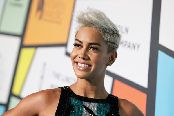 Sibley Scoles Fauxhawk [essence black women in music event,sibley scoles,tv personality,neuehouse hollywood,hair,face,blond,eyebrow,hairstyle,beauty,skin,fashion,yellow,lip,los angeles,california]