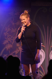 Amy Schumer performed at the Sierra Club's Act in Paris wearing a cute collared LBD.
