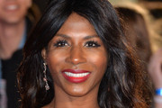 Sinitta Long Wavy Cut