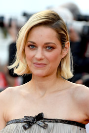 Marion Cotillard kept it fuss free with this short side-parted hairstyle at the Cannes Film Festival screening of 'Sink or Swim.'