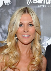 Tinsley Mortimer wore a sheer and shiny, pale pink lipstick at Studio 54. The pretty lip look was the finishing touch to her barely-there makeup.