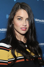 Adriana Lima visited SiriusXM at Super Bowl 50 Radio Row wearing this lovely wavy 'do.