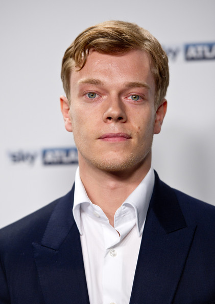 More Pics of Alfie Allen Short Side Part (1 of 1) - Alfie Allen Lookbook - StyleBistro