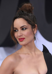 Berenice wore her hair in a messy top knot for the Berlin 'Skyfall' premiere.