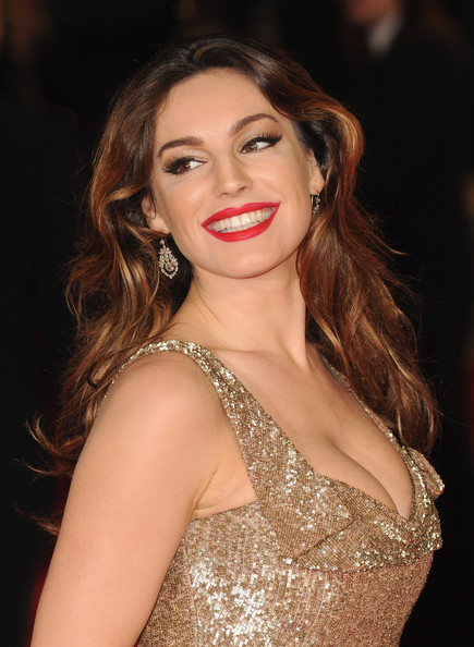 More Pics of Kelly Brook Gold Dangle Earrings (1 of 11) - Kelly Brook Lookbook - StyleBistro