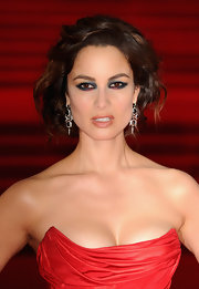 Berenice perfected the art of the messy updo with this curled style at the 'Skyfall' world premiere.