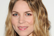 Skylar Grey Long Wavy Cut