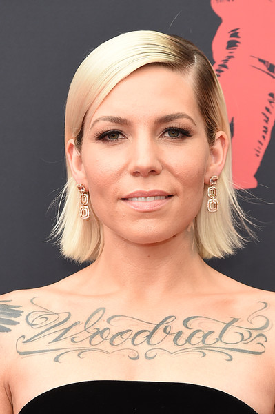 Skylar Grey Side Parted Straight Cut [hair,face,eyebrow,hairstyle,chin,shoulder,blond,skin,head,beauty,arrivals,skylar grey,mtv video music awards,prudential center,newark,new jersey]