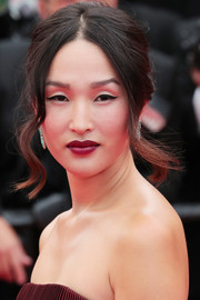 Nicole Warne sported a '60s-glam updo at the Cannes premiere of 'Slack Bay.'