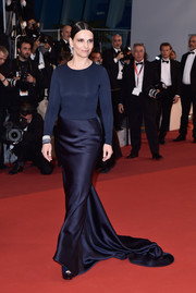 Juliette Binoche opted for a simple yet elegant dual-textured navy gown by Armani Prive when she attended the Cannes premiere of 'Slack Bay.'