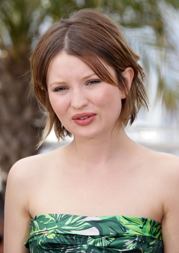 More Pics Of Emily Browning Short Straight Cut 25 Of 46 Short