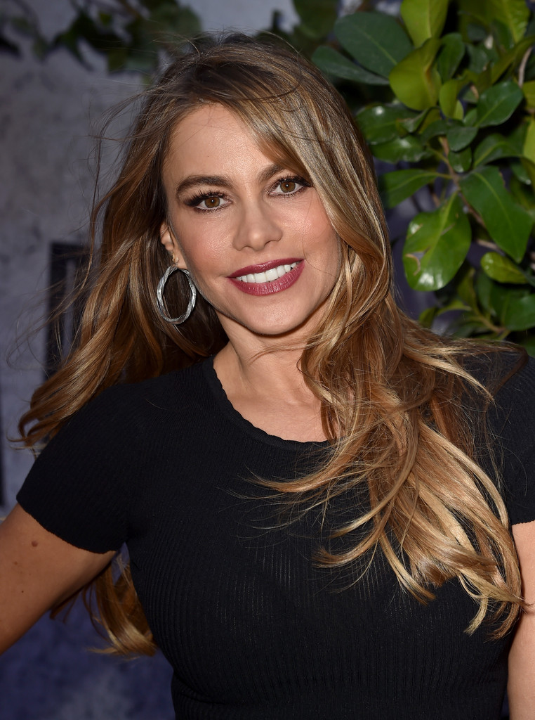 Sofia Vergara Long Wavy Cut Sofia Vergara Looks