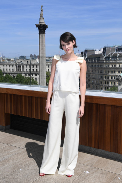 Phoebe Waller-Bridge completed her outfit with white wide-leg pants.