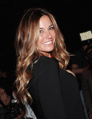 Kelly Bensimon wore a cascade of bouncy waves at the Son Jung Wan fashion show.